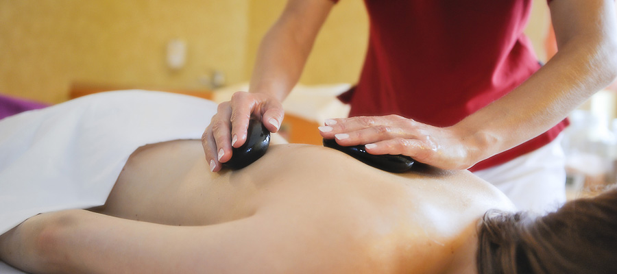 Forellenhof-Alb-spa-Hot-Stone-Massage.jpg